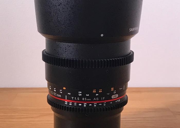 samyang 85mm-t15-for-mft-cameras-panasonic-gh5-77286259.JPG