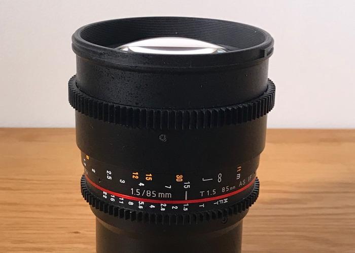 samyang 85mm-t15-for-mft-cameras-panasonic-gh5-95704980.JPG