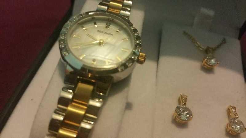 sekonda 2-tone-womens-watch-with-necklace--earings-66456942.jpg