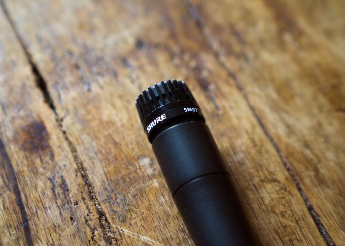 shure sm57-microphone-97419323.jpg