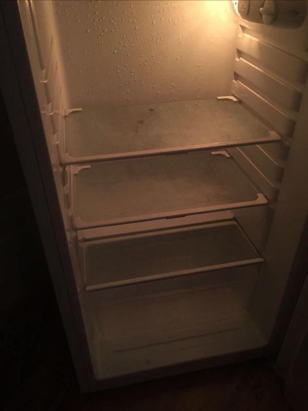 small white-fridge--02879297.jpg