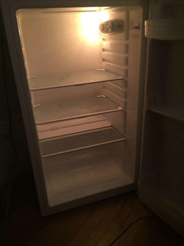 small white-fridge--48999707.jpg