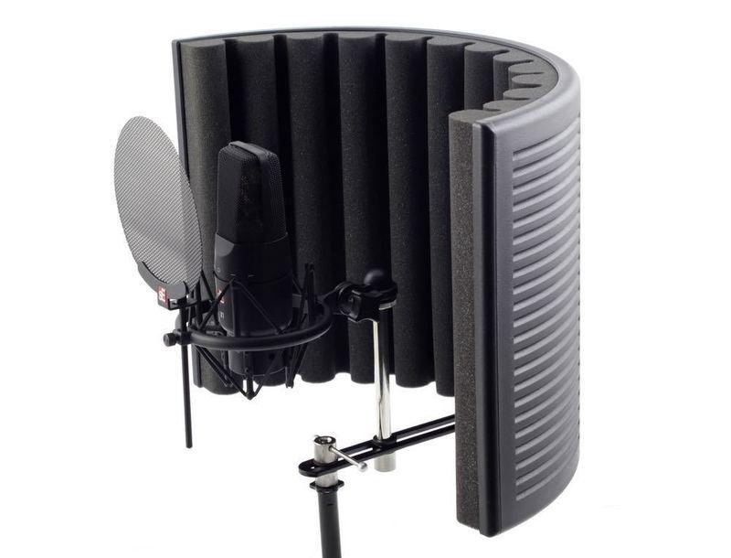 sound proof-mic-reflection-shield--78568814.jpg
