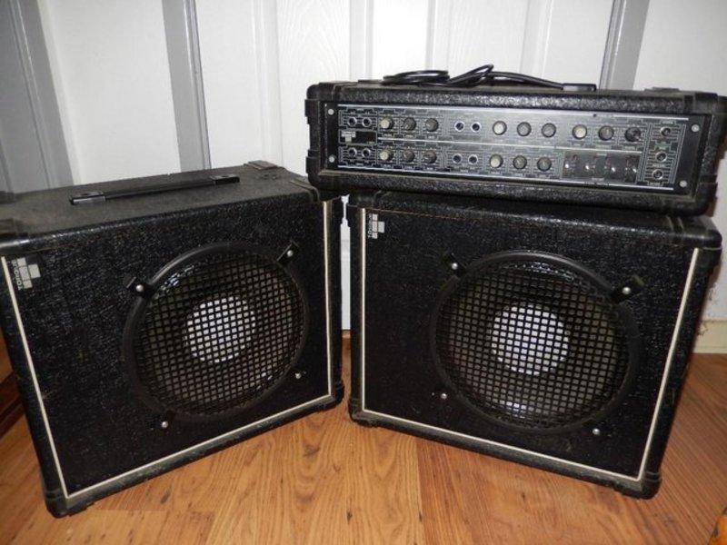 speakers set-13086073.jpg