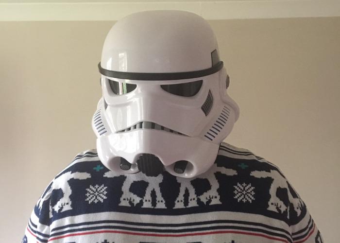 stormtrooper helmet--20224691.JPG