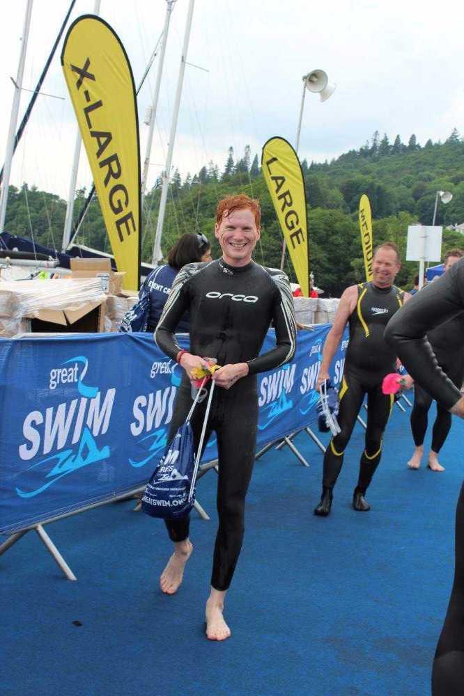 swimming wetsuit-triathlon-65349936.jpg