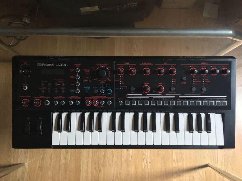 synthesizer jd-x1-roland-23455657.jpg