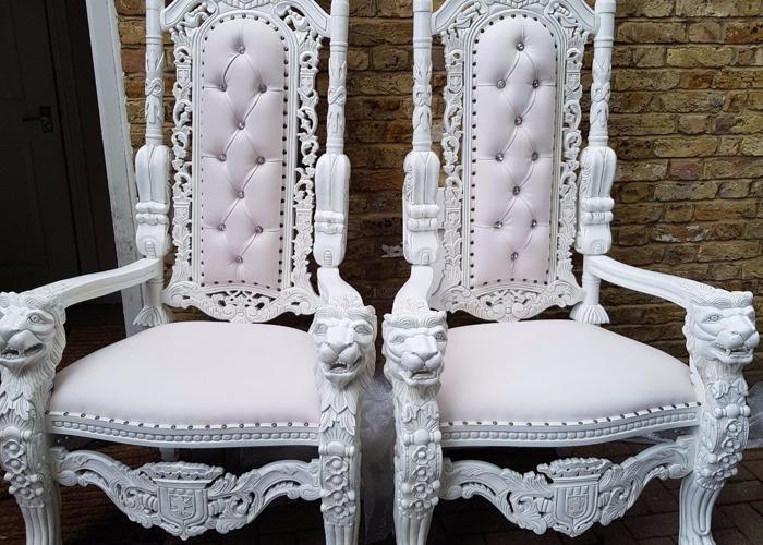 throne chairsround-tableschair-hireled-dancefloors-73758931.jpg