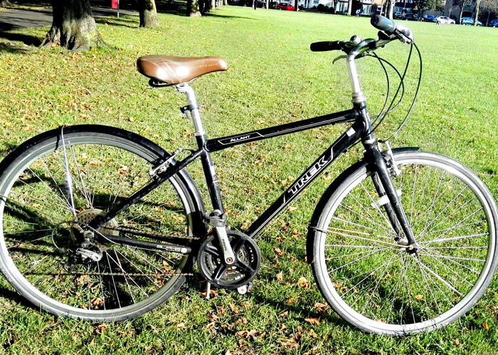 trek hybrid-bike-47812465.jpg