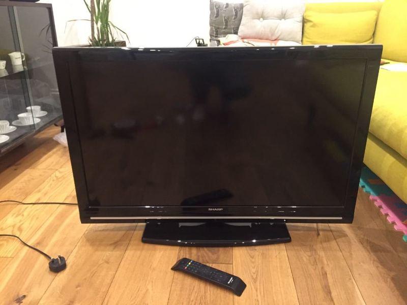 tv 40-inch-lcd-tv--99956756.jpg