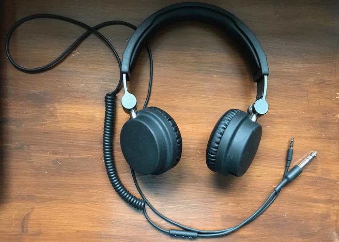 urbanears headphones-21810121.jpeg