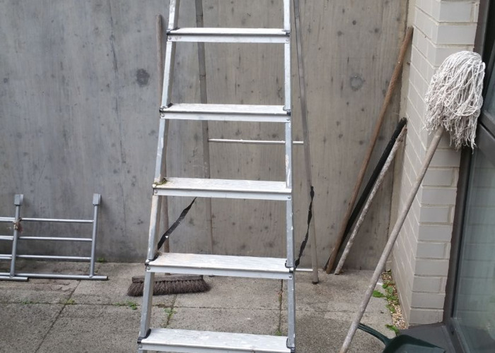 used ladder-83618548.jpg