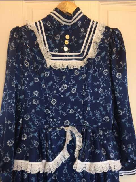 victorian dress-01542326.jpg
