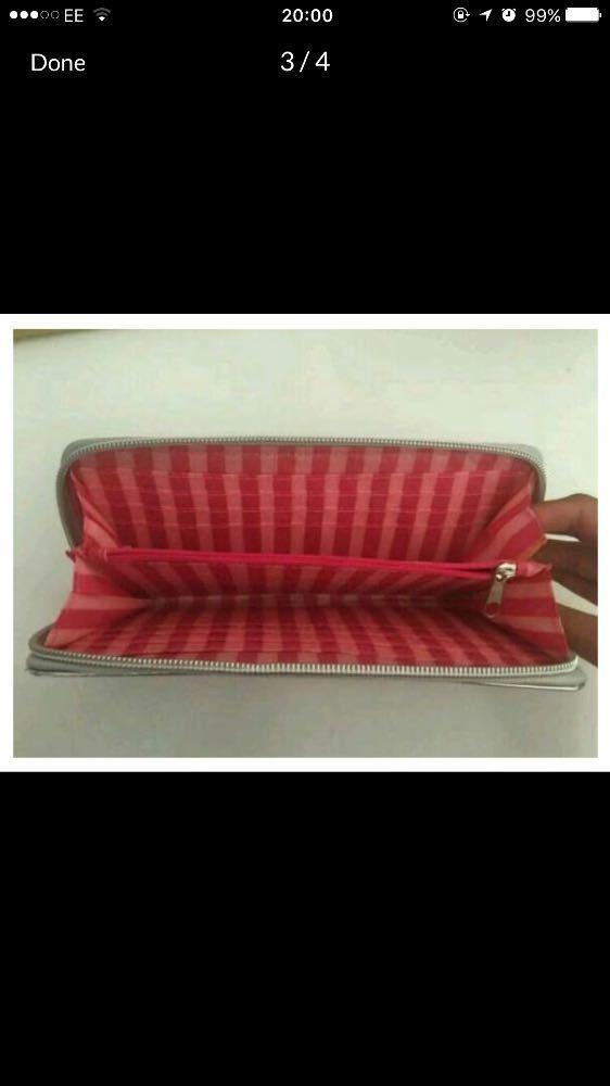 victorias secret-limited-edition-purse-12167127.jpg