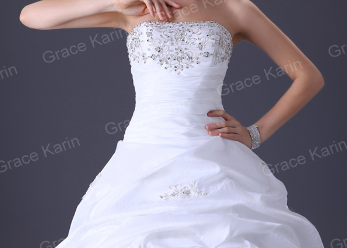 wedding dress-26242614.jpg