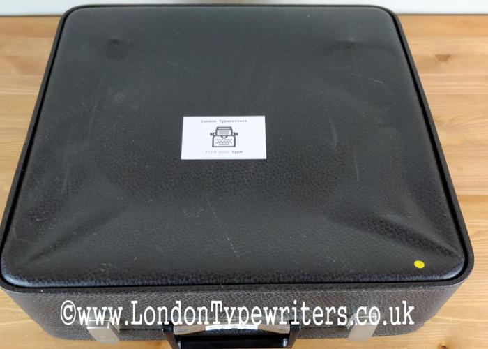working manual-typewriter-57748337.jpg