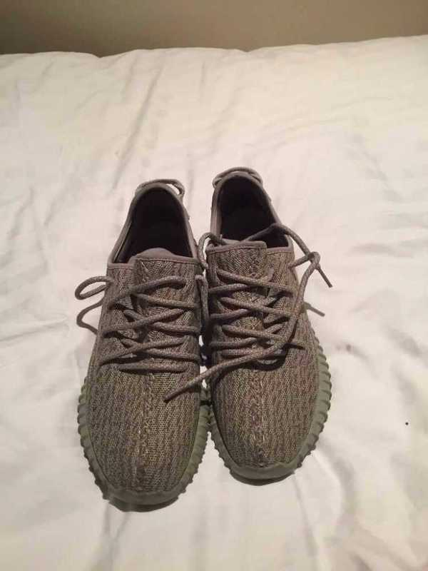 yeezy moonrock-uk105-94779948.jpg